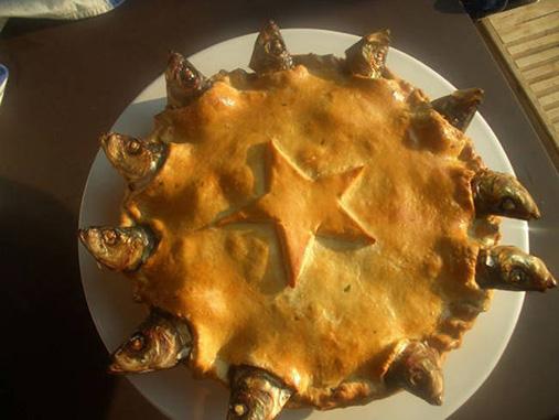 Stargazy Pie | 14 productos culinarios que los gallegos no se comerían en los restaurantes en Galicia